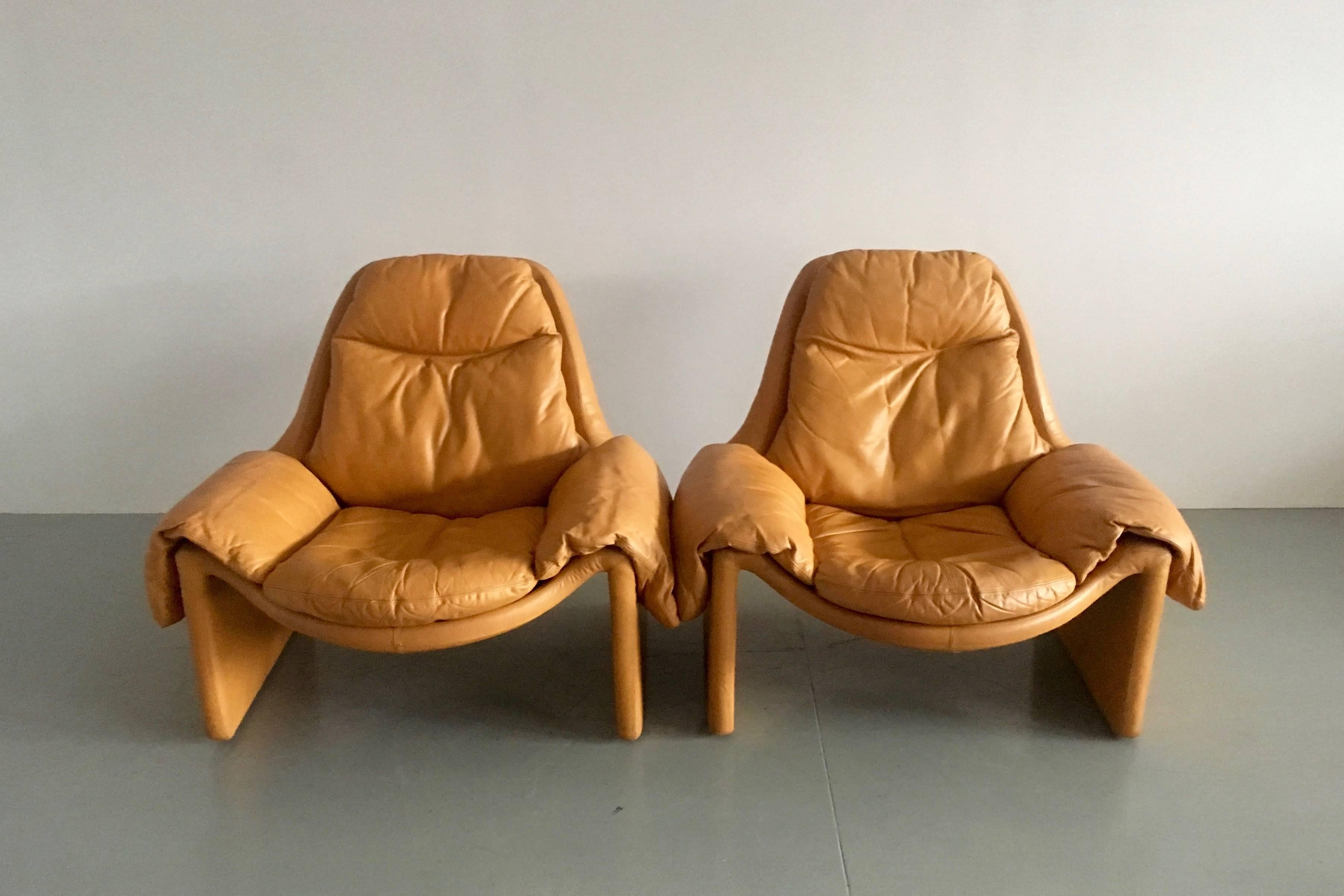 Proposals 2 Lounge Chairs With Ottoman By Vittorio
