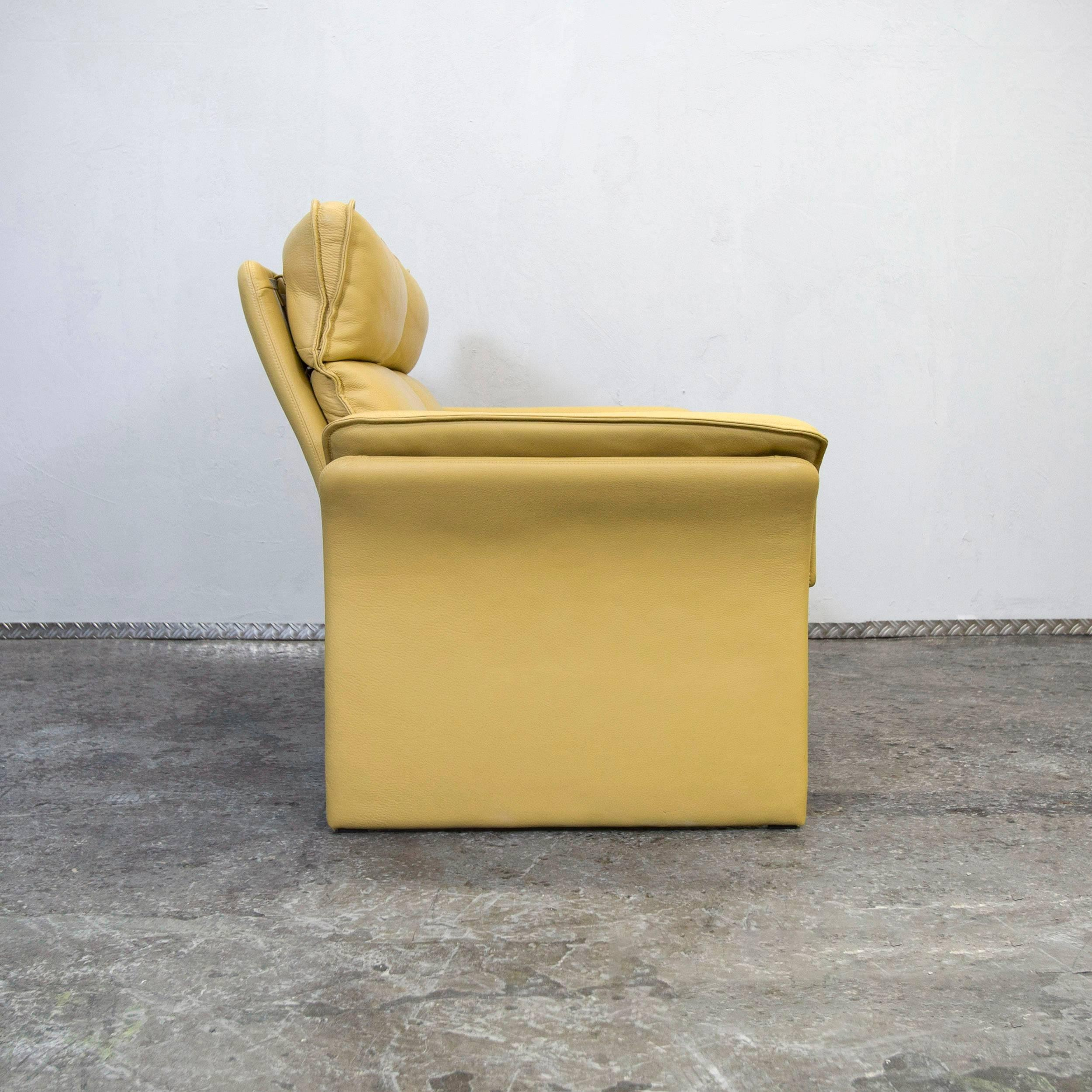 Sessel Gelb Leder Dreipunkt Designer Leather Sofa Mustard Yellow Two-seat