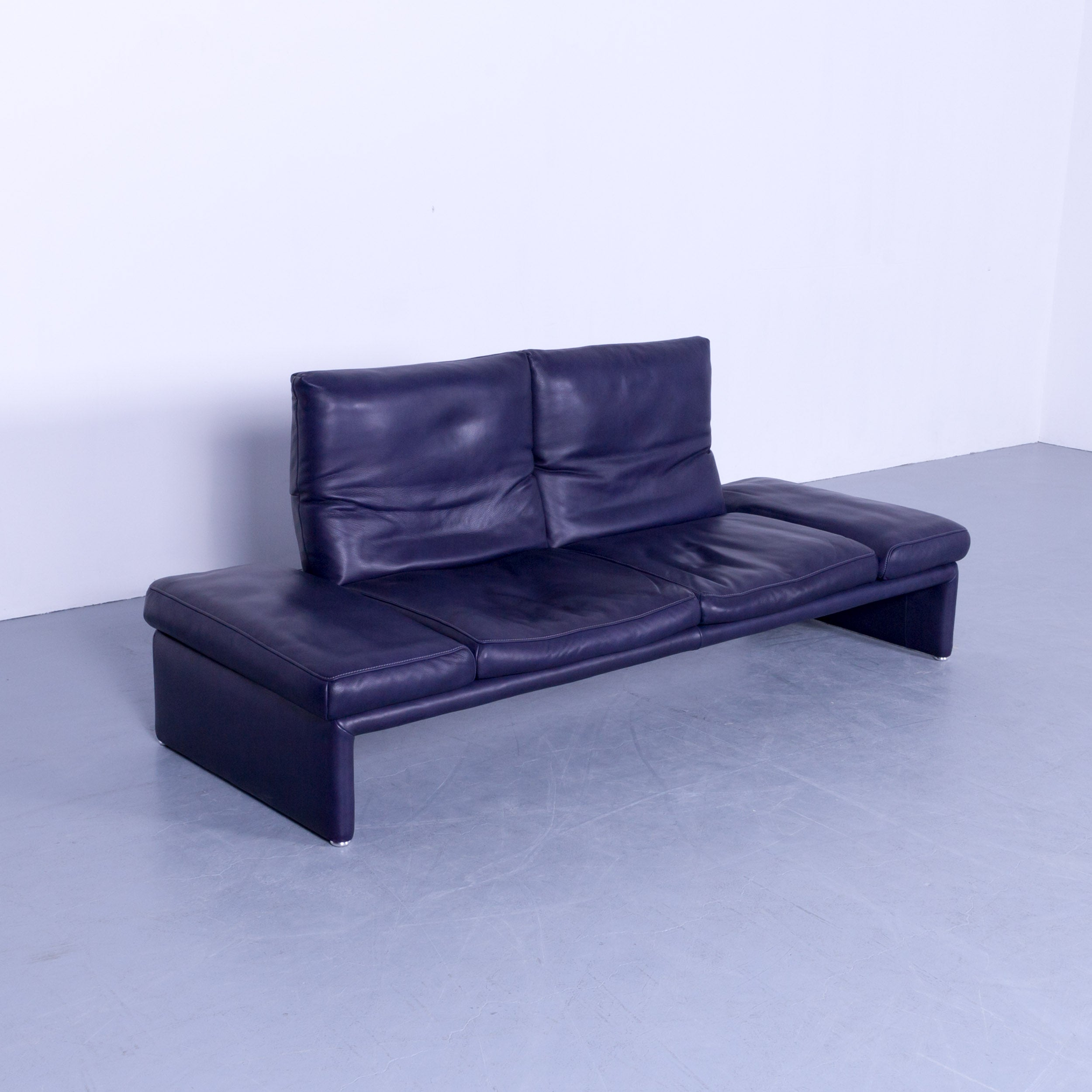 Couch Leder Cappuccino Koinor Raoul Designer Sofa And Footstool Purple Eggplant Colored Leather