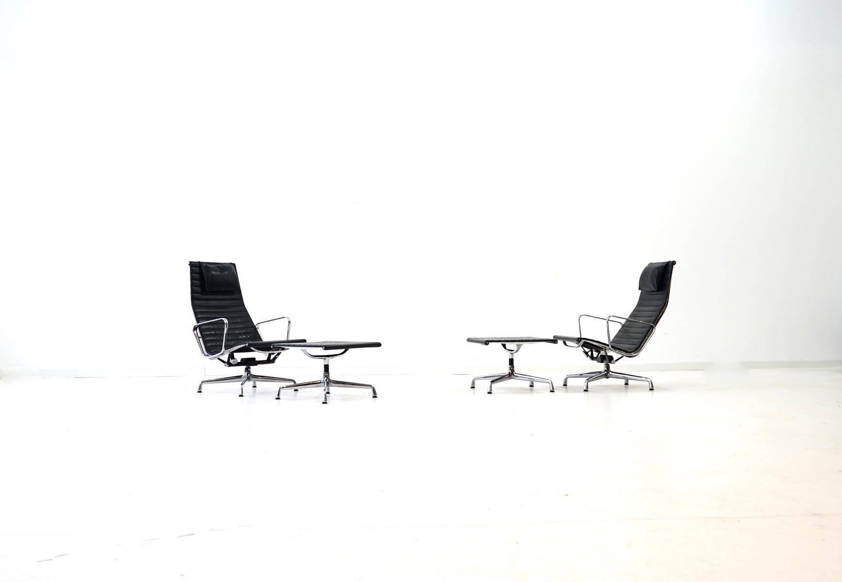 Vitra Eames Lounge Chair Ea 124 125 Vitra Lounge Chair By Charles Ray Eames