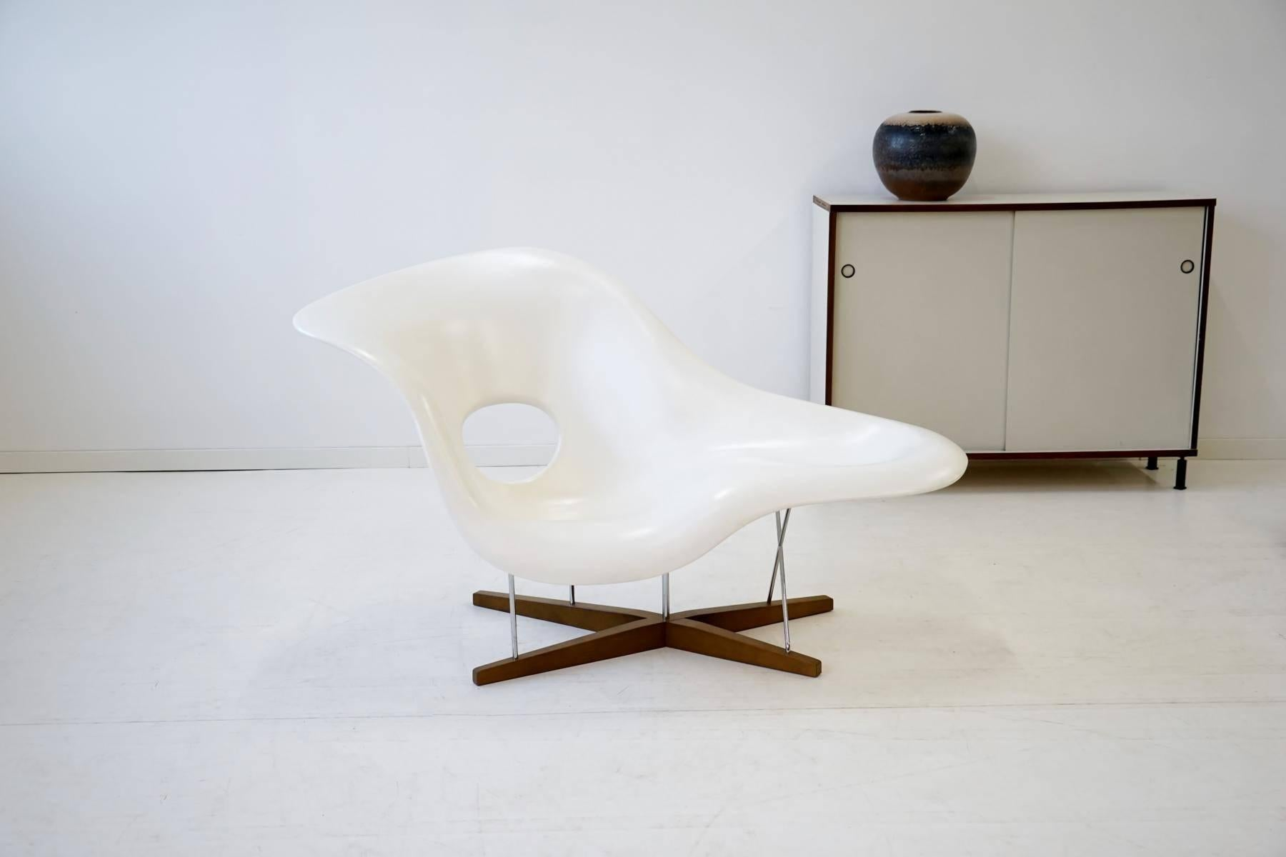 Lounge Liege La Chaise By Eames For Vitra Chaise Lounge Recliner Chair Armchair