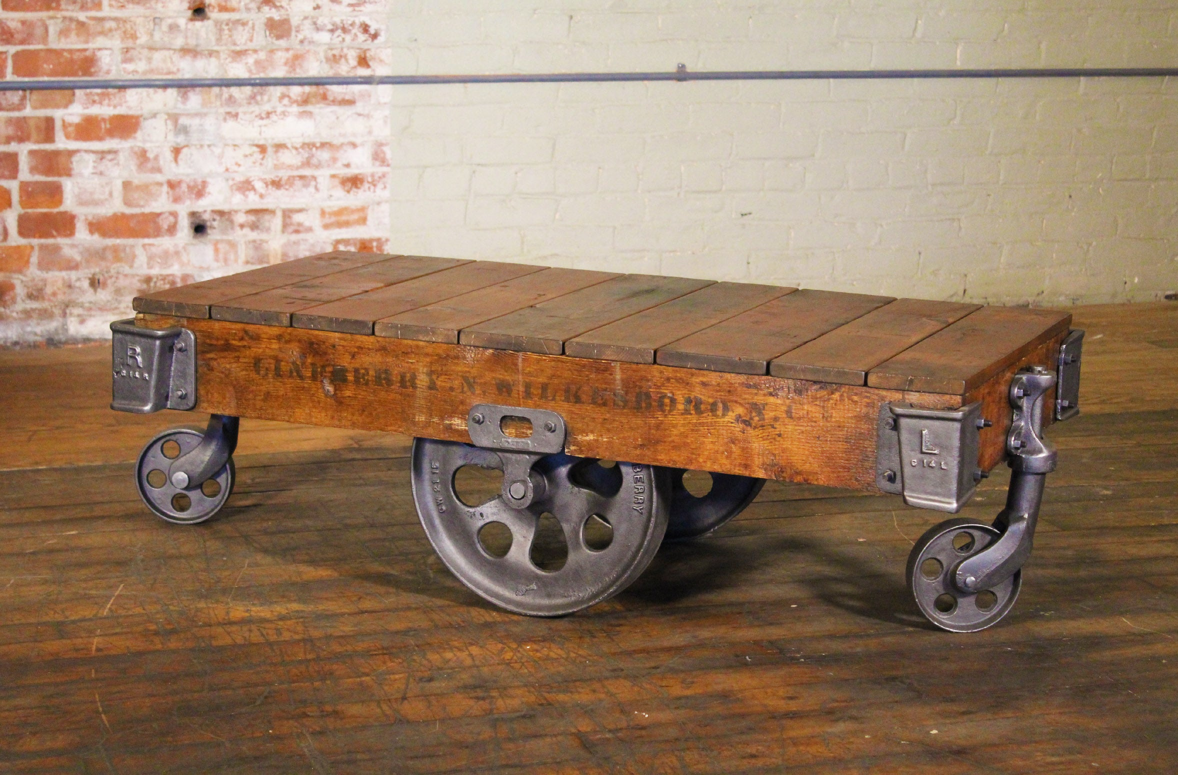 Couchtisch Railway Vintage Industrial Rustic Wood And Cast Iron Factory Coffee Table Rolling Cart