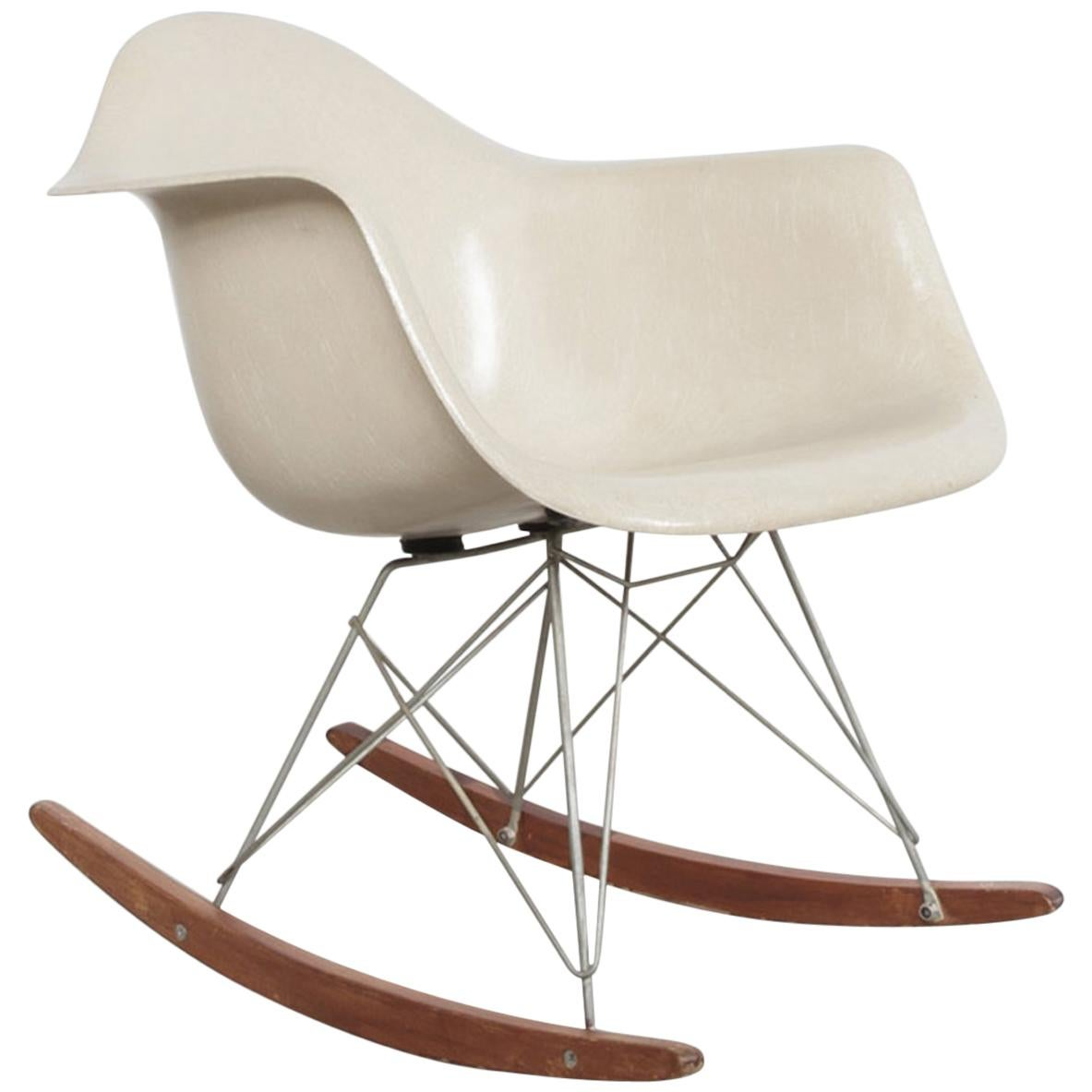 Eames Rar Charles And Ray Eames Rar Rocking Chair 1960s