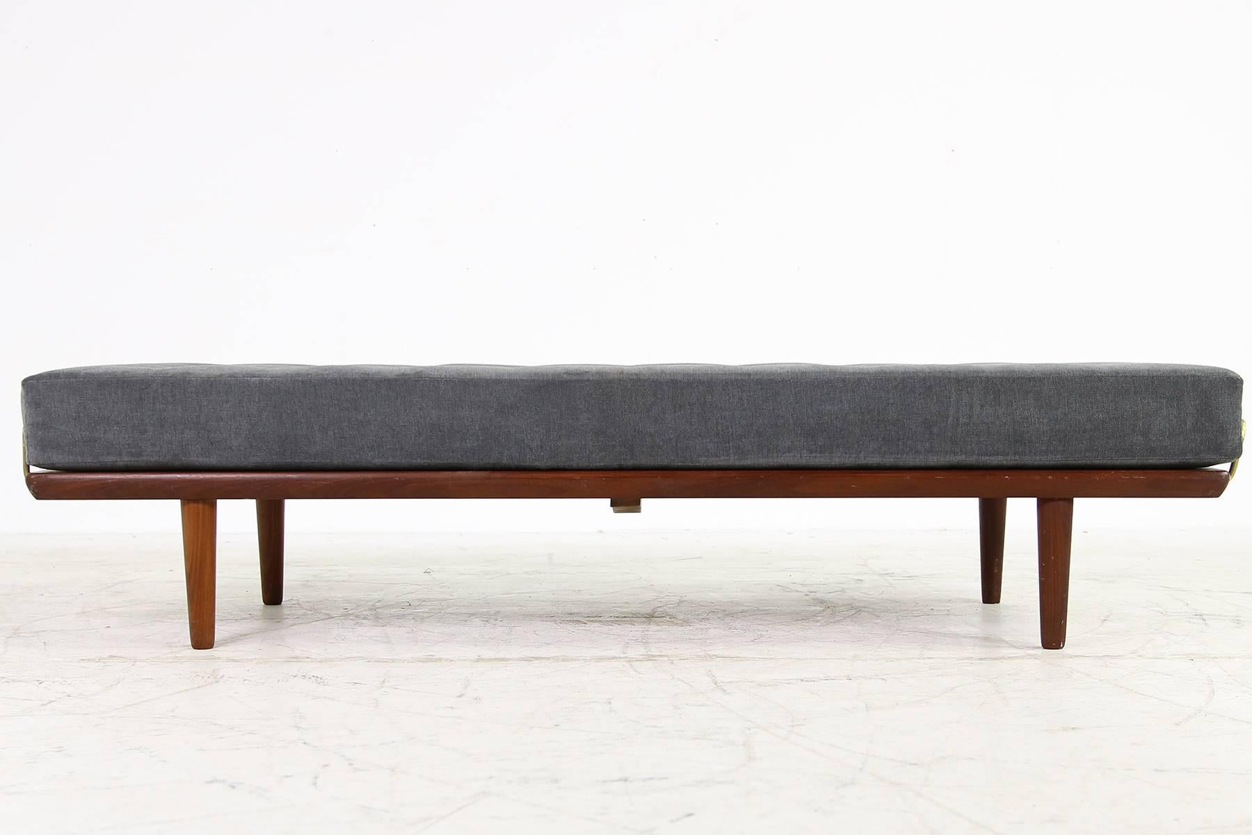 Teak Liege Danish 1950s Hans J Wegner Daybed Model Ge19 By Getama Teak And Brass Sofa