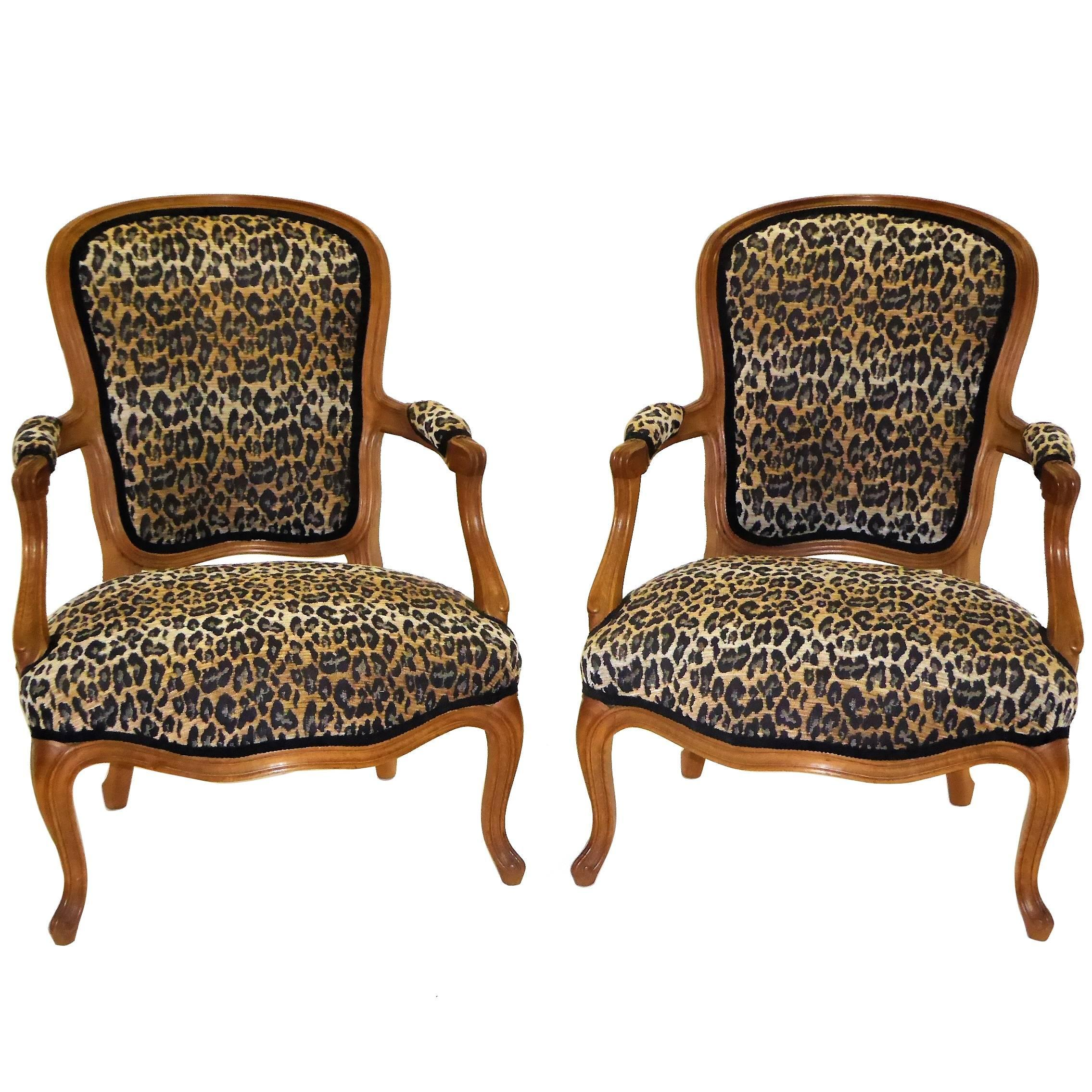 Fauteuils Chauffeuse Pair Of Louis Xv Style Chauffeuses Or Fauteuils By Saridis In Leopard Chenille