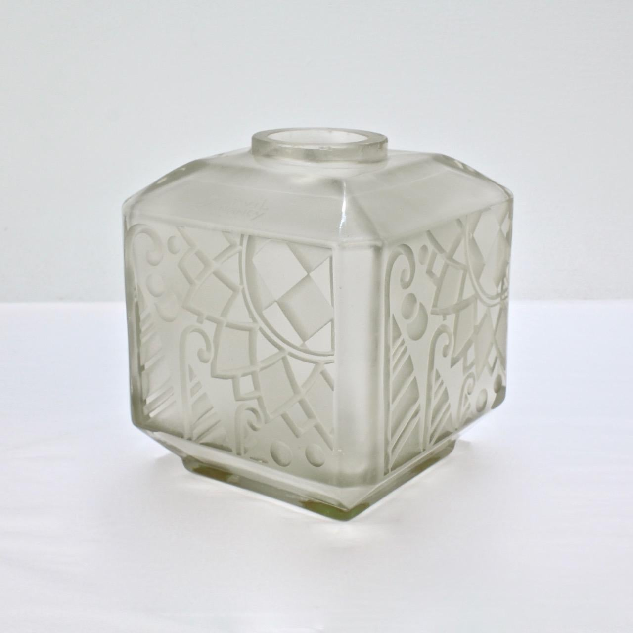 Art Deco Style & Light French Art Deco Glass Vase By Andre Delatte