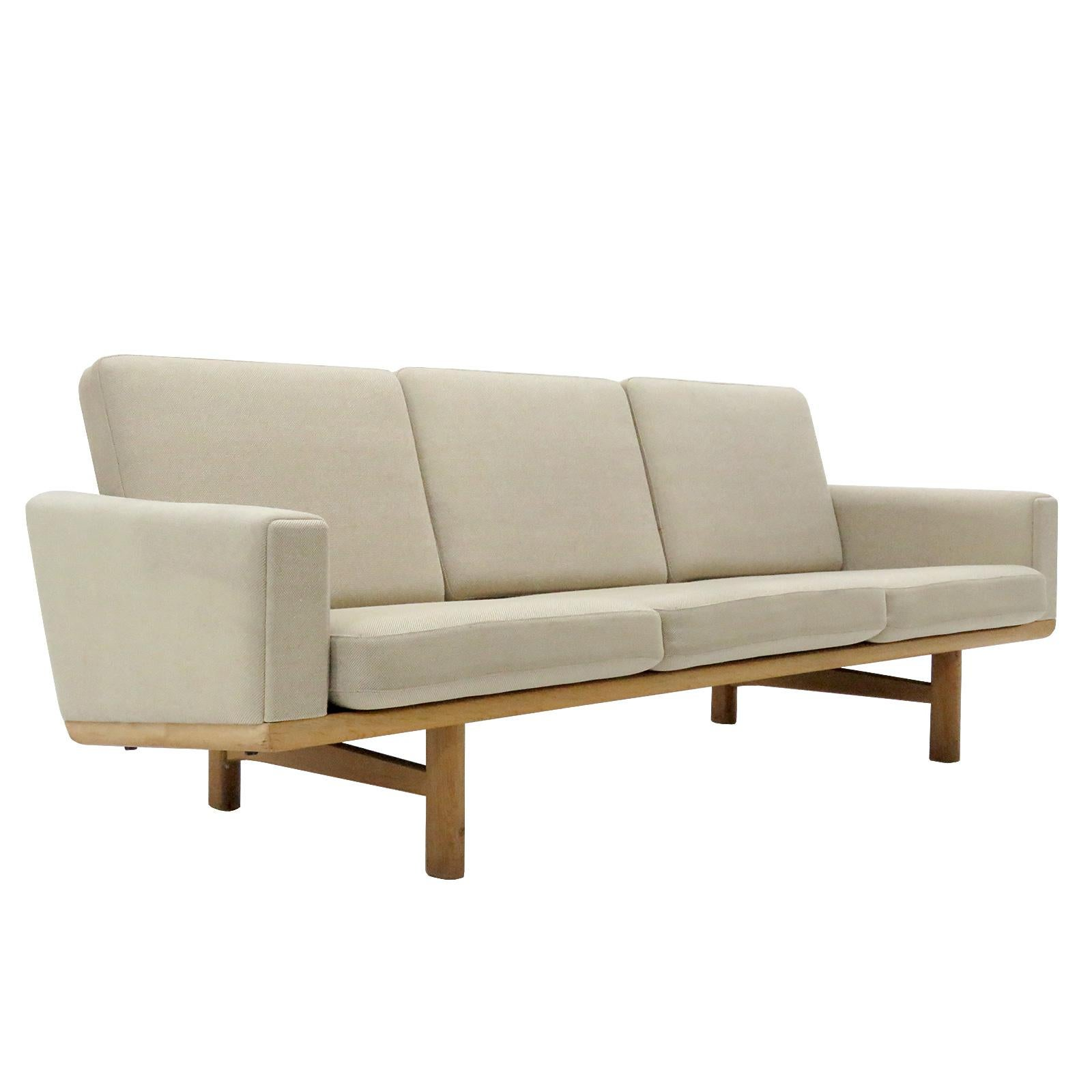 Hans Wegner Sofa Replica Hans J Wegner Sofas 90 For Sale At 1stdibs
