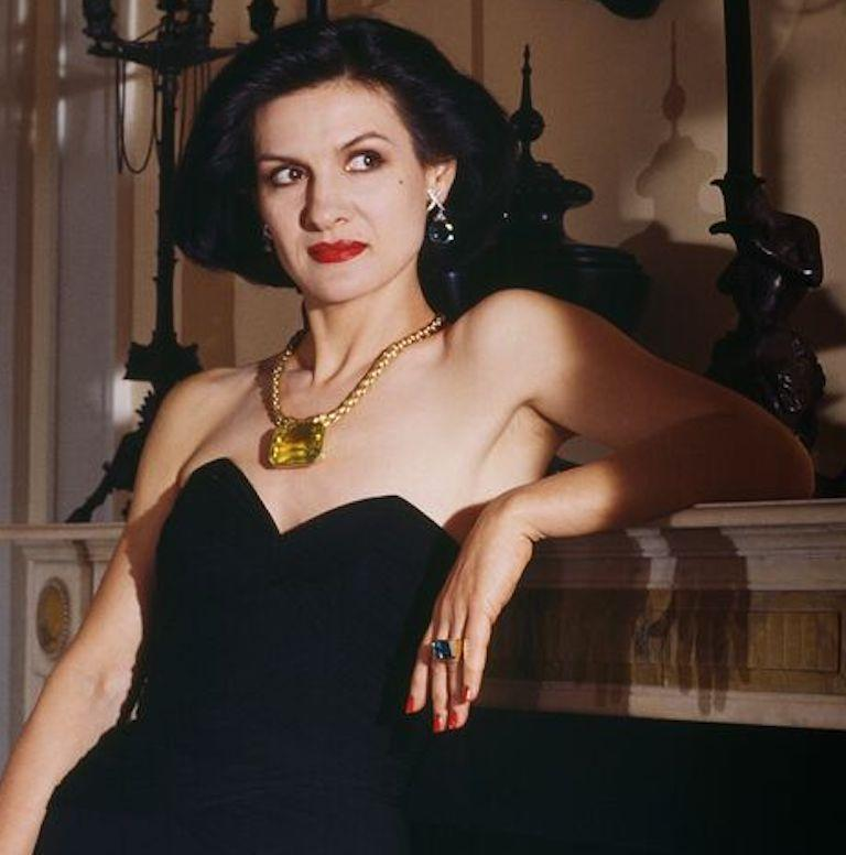 Paloma Picasso Paloma Picasso Paloma And Jewellery New York 1985 Small Color Photograph