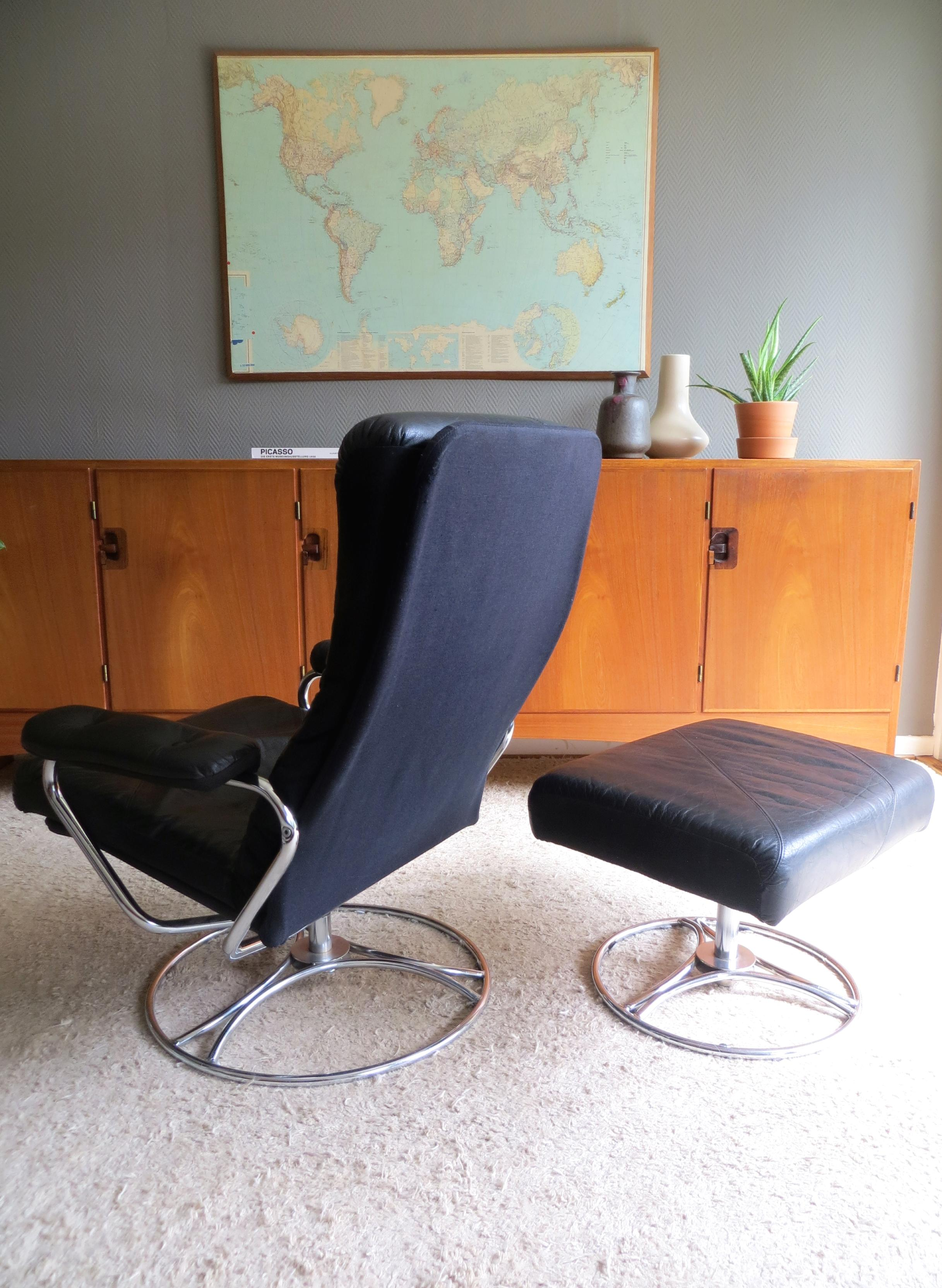 Stressless Hamburg Midcentury Ekornes Stressless Reclining Leather Chrome Lounge Chair Ottoman