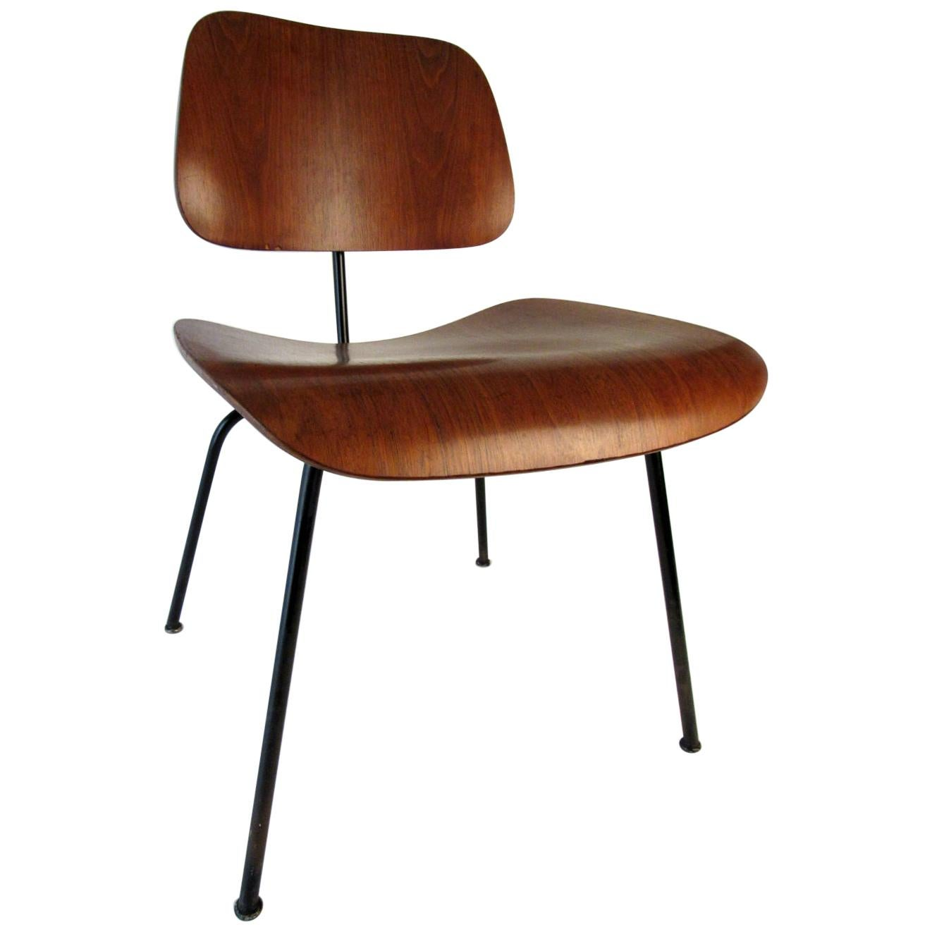 Ray And Charles Eames Set Of Four 1955 Ray Charles Eames Dcm Chairs