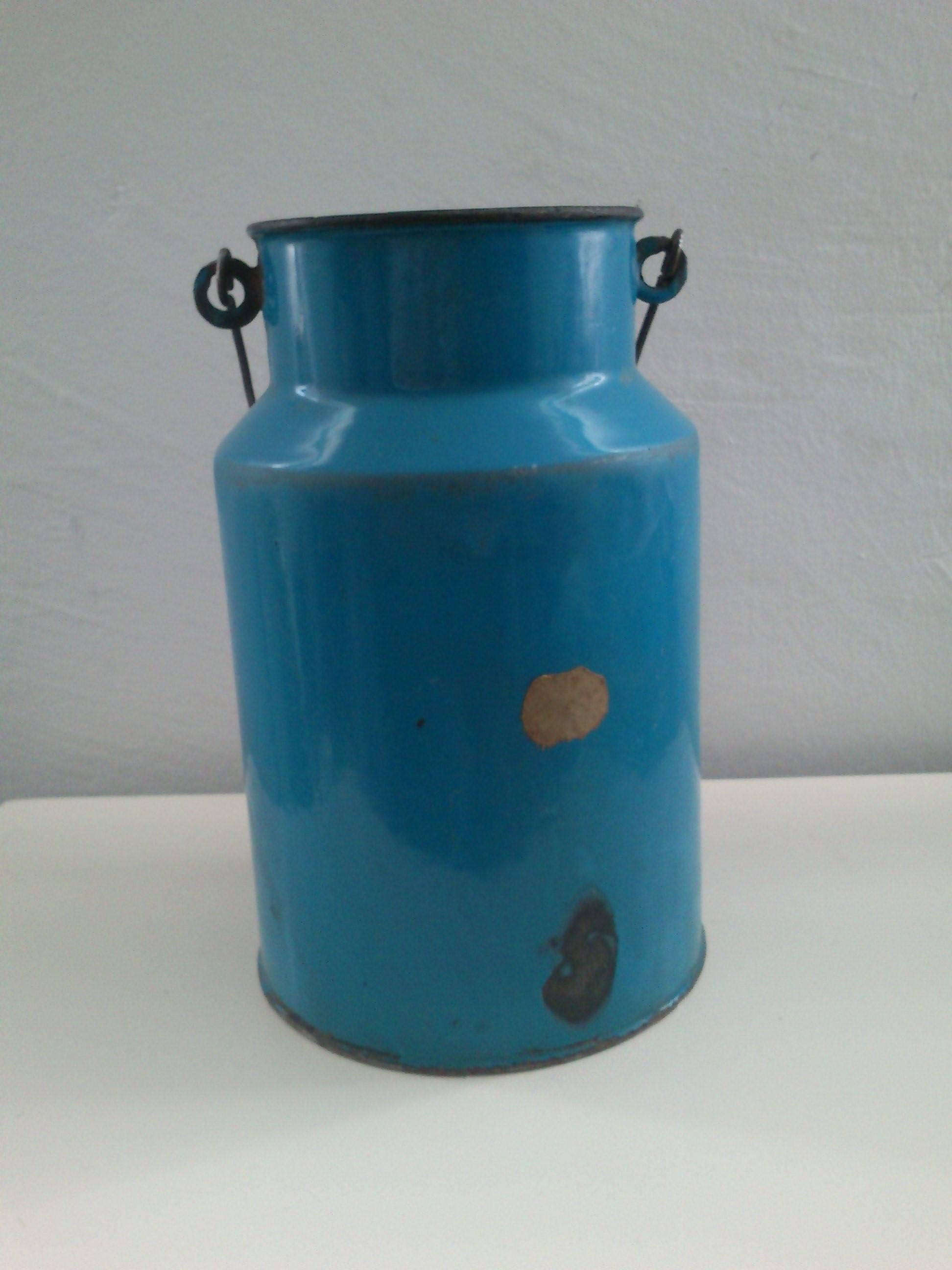 Decorative Milk Urn Vintage Blue Enamel Milk Can