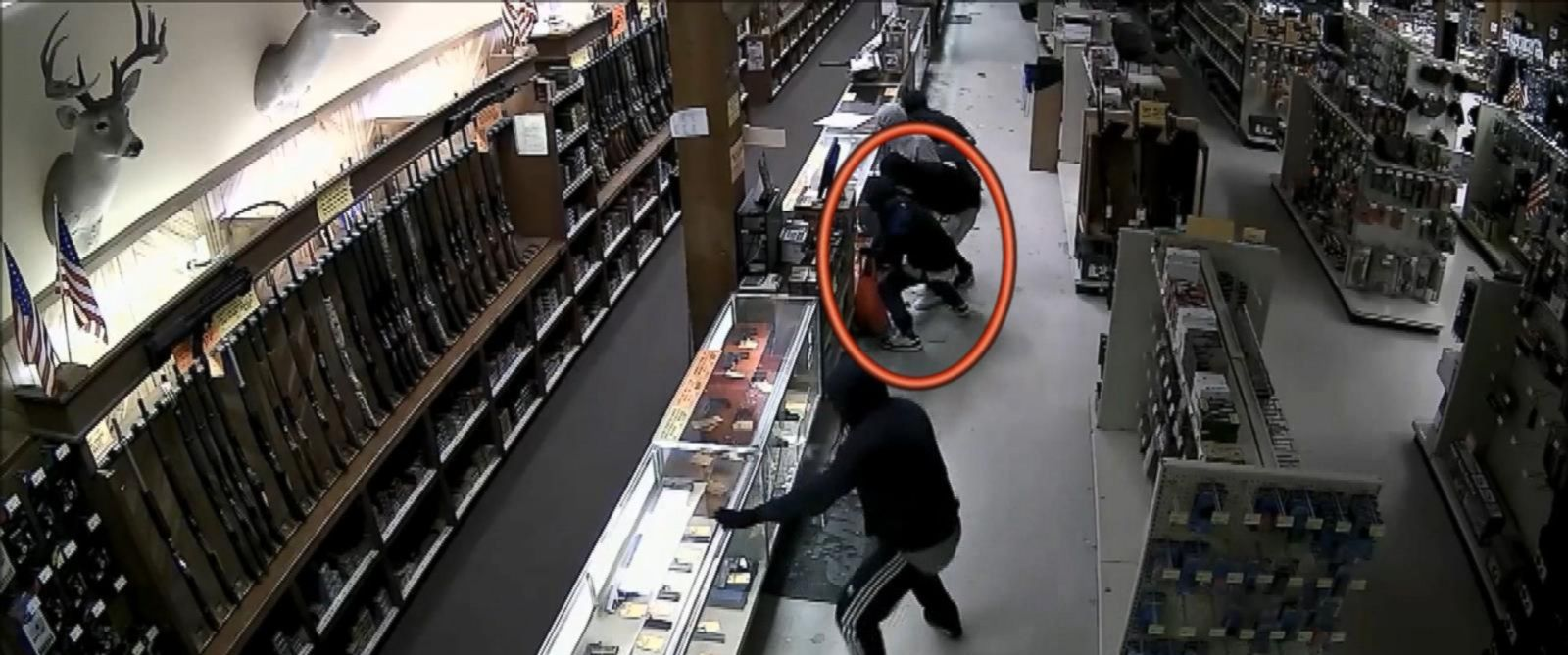 The Security Store Houston Security Camera Footage Shows Gang Looting Gun Store - Abc