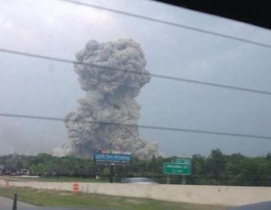 Explosion Rips Through Texas Fertilizer Plant