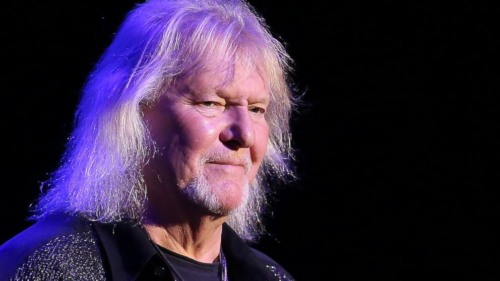 Cam Lights Chris Squire, Yes Bassist And Co-founder, Dead At 67 - Abc