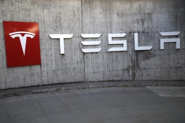 Share Trading Vs Cfd Tesla To Raise Prices Of Some Vehicles By About 3 Ig Au