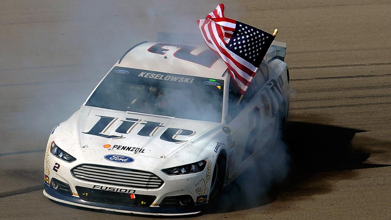 Dale Earnhardt Jr Car Wallpaper Brad Keselowski Passes Dale Earnhardt Jr On Final Lap To
