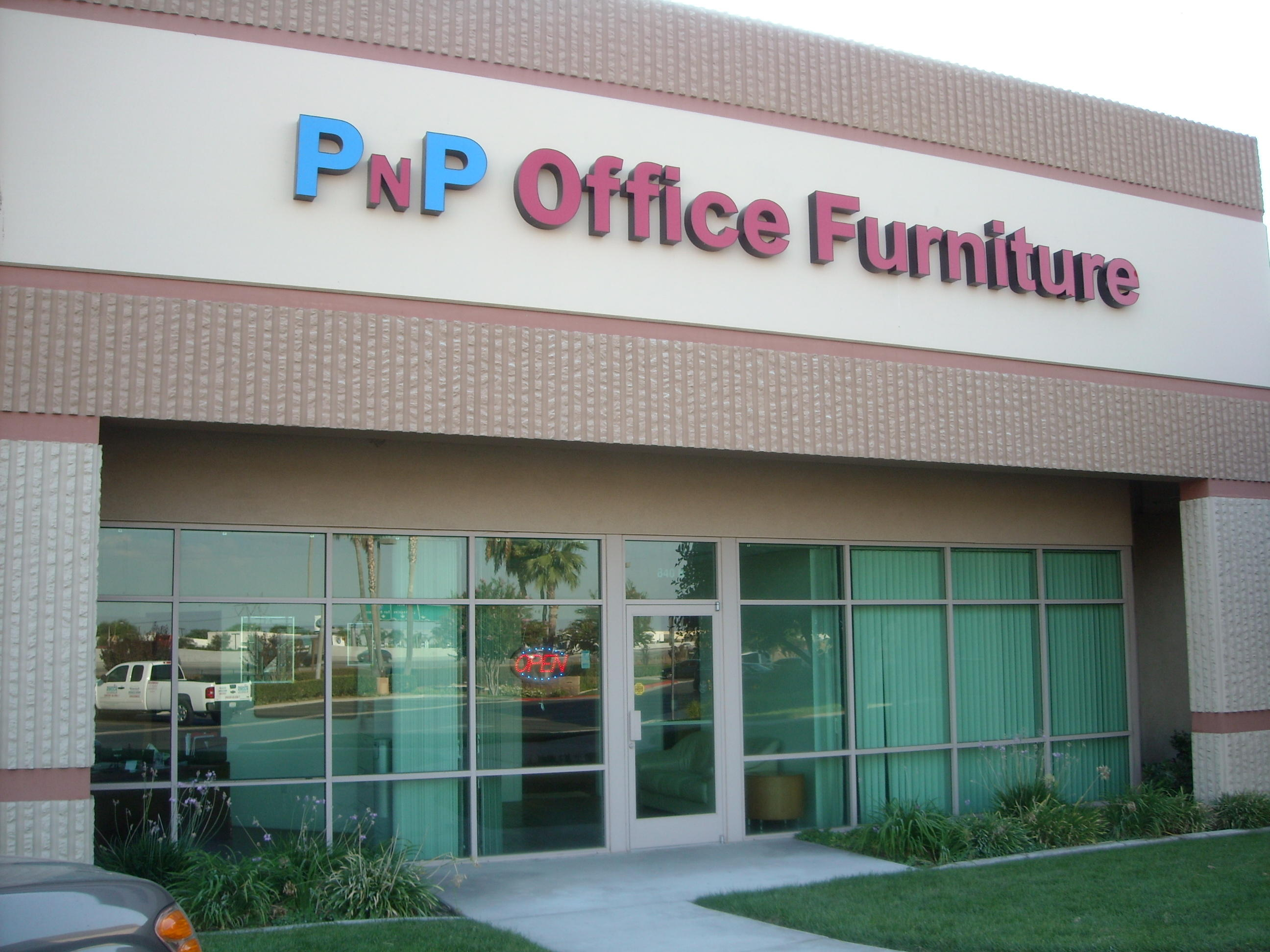Furniture Stores In Ontario Canada Pnp Office Furniture Coupons Near Me In Ontario 8coupons