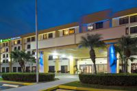 Holiday Inn Express & Suites Miami Airport East, Miami ...