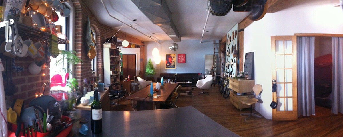 Large Dresser Fabulous Industrial Dumbo Loft - Lofts For Rent In