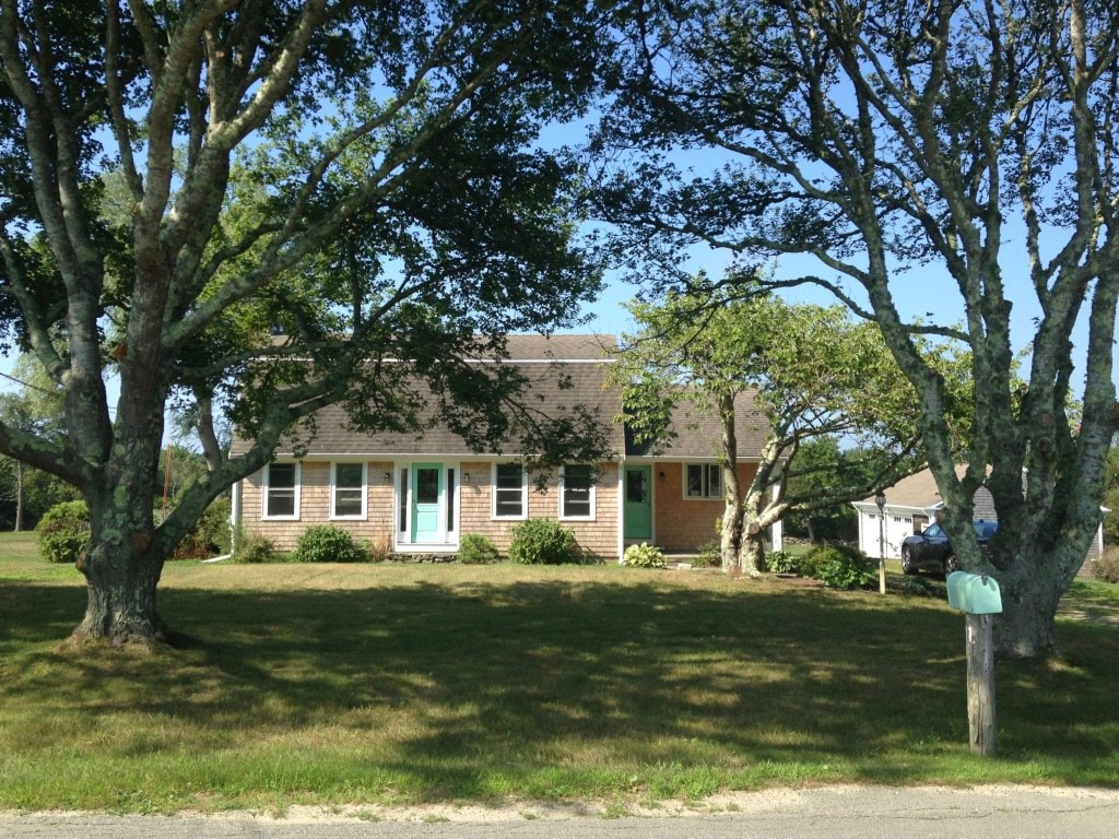Vacation Rental Near To The Beach With 3 Acre Lawn