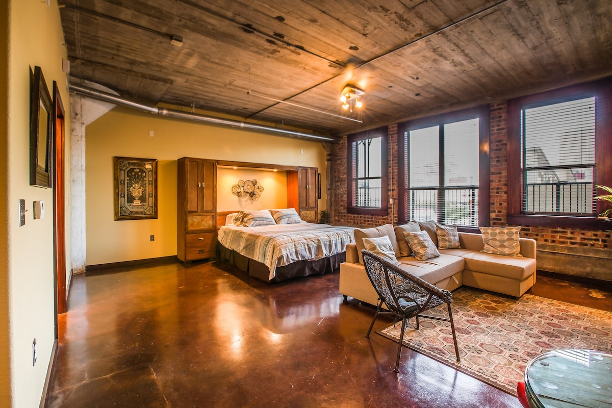 Amazing Lofts Amazing Loft Lightrail To Nrg Apartments For Rent In