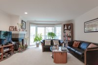 Comfy Master Bedroom in Kirkland DT - Condominiums for ...
