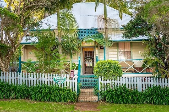Banksia Cottage Toowoomba Pet Friendly Getaway Houses