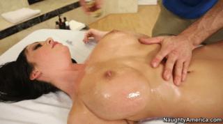 Horny Melina Mason Has Been Wants A Massage