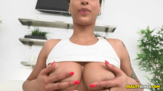 Hot Latina Queen Displays Her Horny And Naked Body