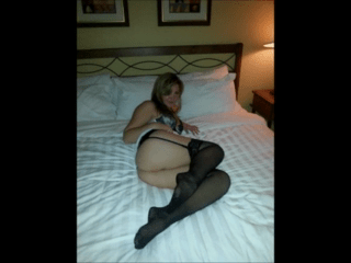 Sammi Getting Hot In The Bed