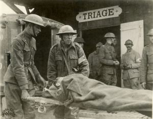 989px-wounded_triage_france_wwi