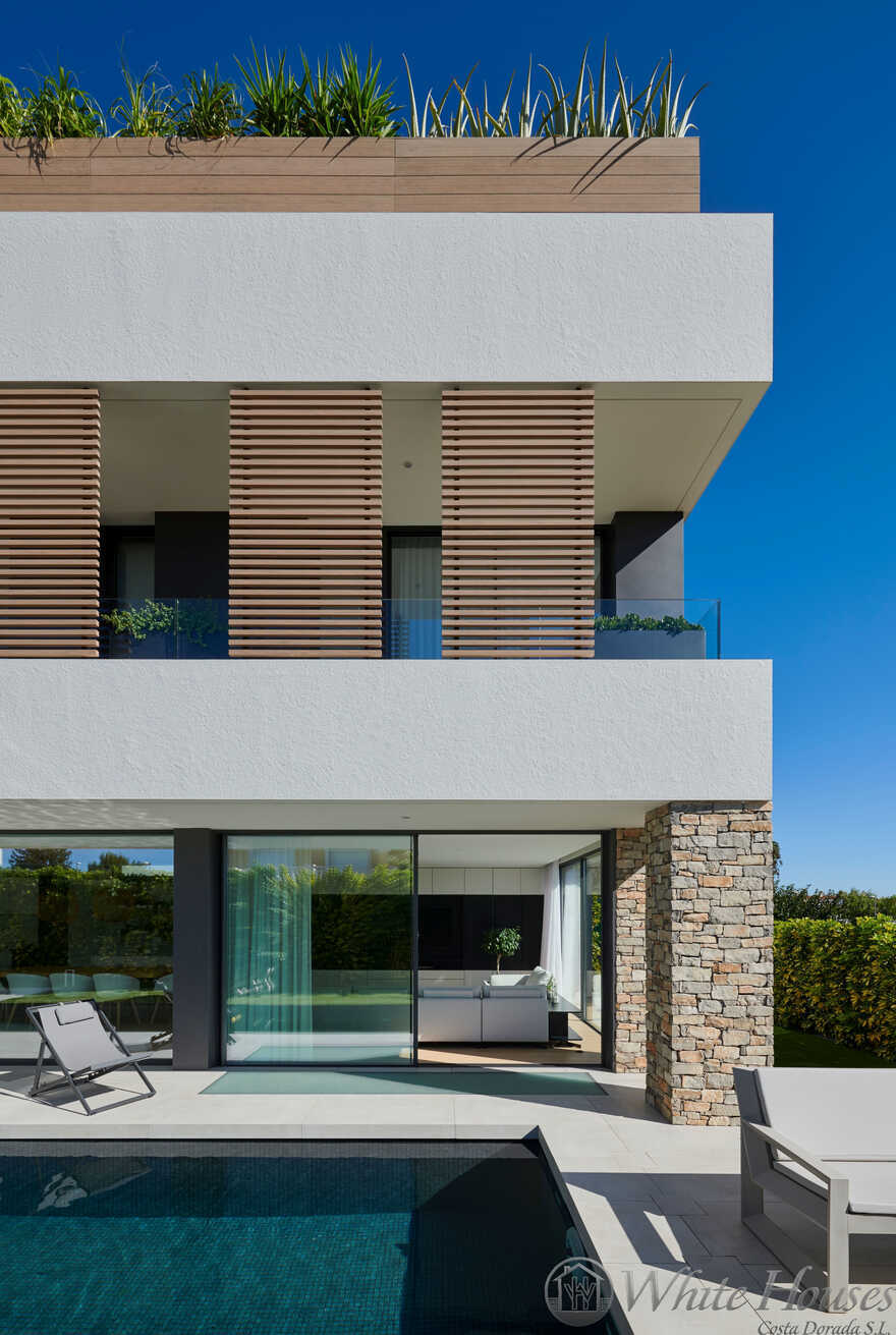 Contemporary Single Family Villa In The Beautiful Coastal Spanish Village Cambrils