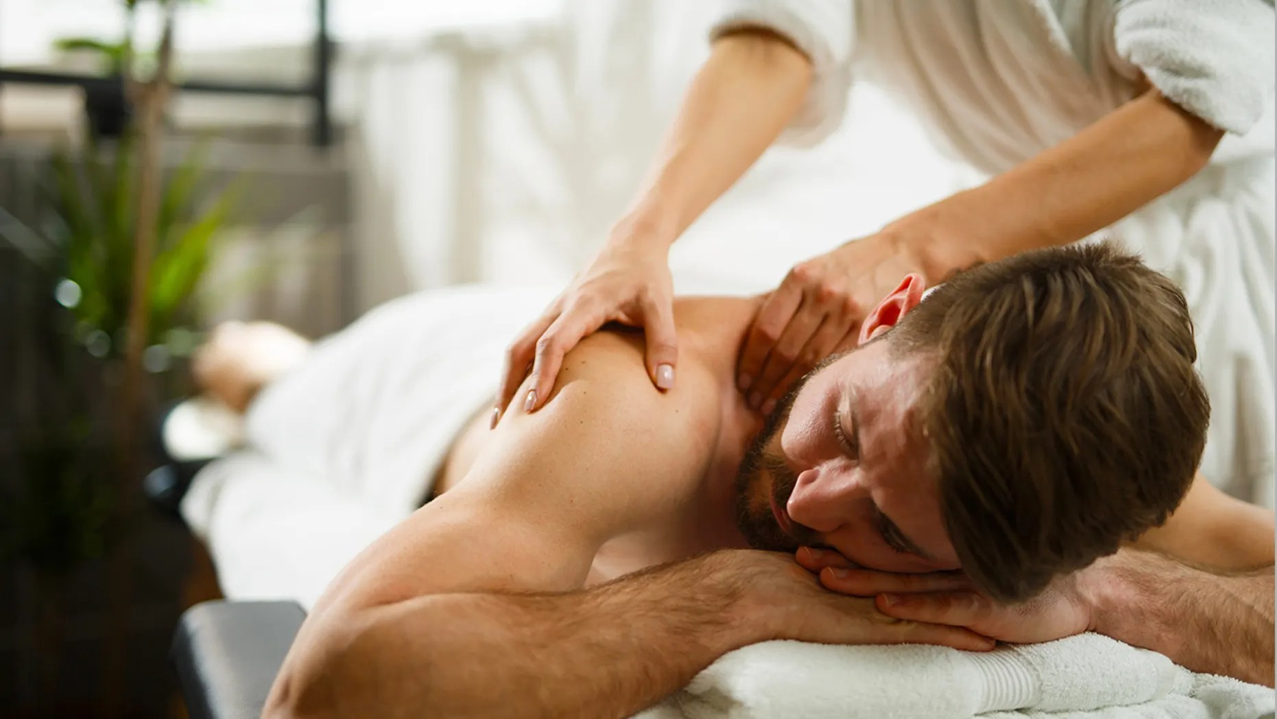 Salon De Massage 93 Spa Apologizes After Gay Men Reportedly Denied Couple S Massage