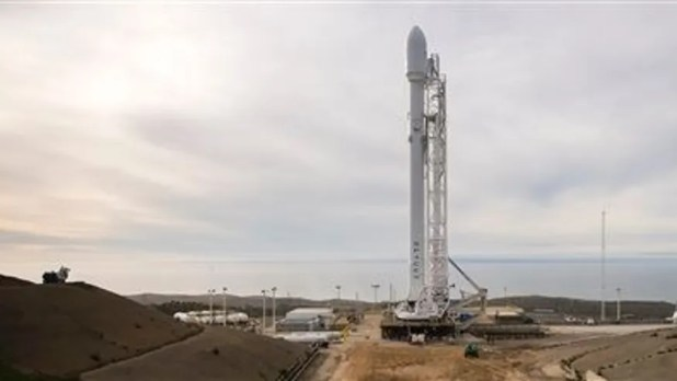 SpaceX plans launch and rocket landing from California barge
