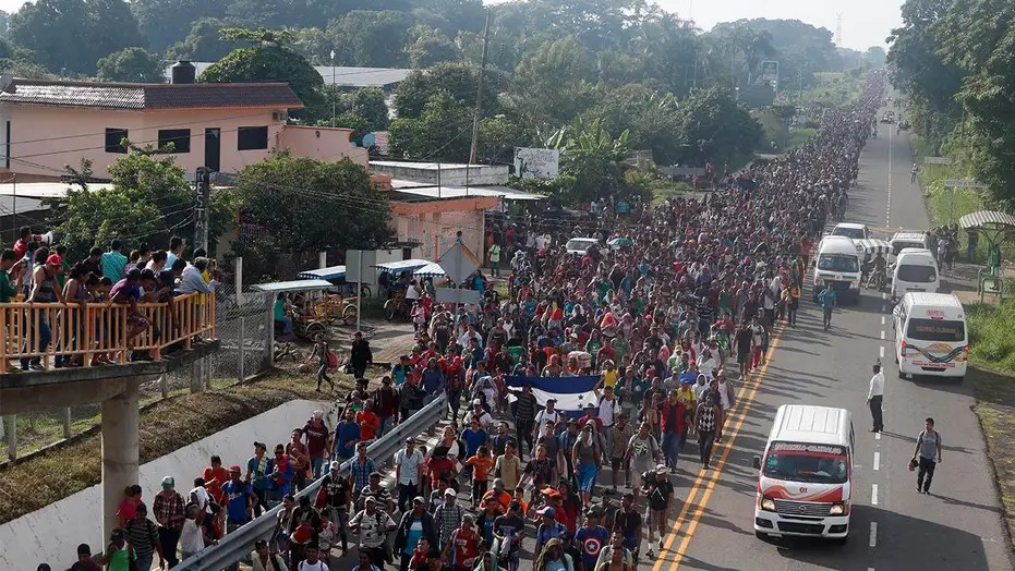 Second migrant caravan: New group rushes to join ranks, deportees vow return to America | Fox News