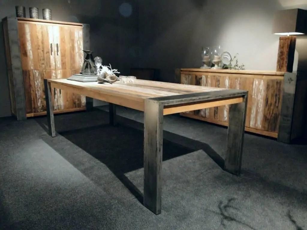 Houten tafels outlet grote houten tafels elegant tafels