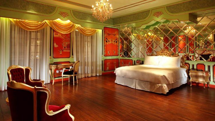 10 Red Bedroom Ideas and Designs