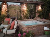 20 Relaxing Backyard Designs With Hot Tubs