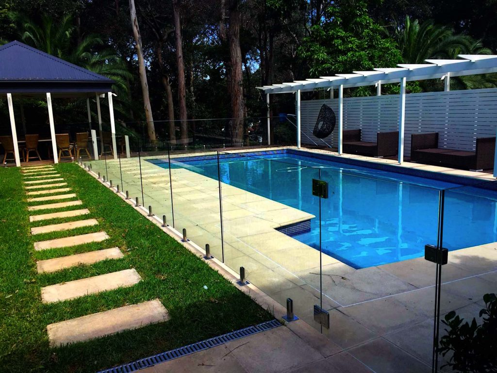 Glaspool Top Benefits Of Glass Pool Fencing Aaa Fence And Gates