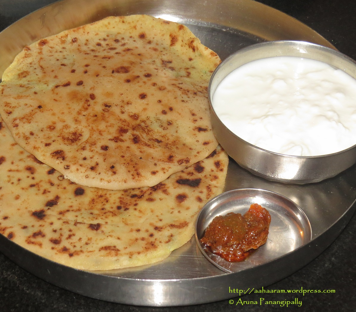 Aloo Paratha - Unleavened Bread Stuffed with Spicy Mashed Potato ...