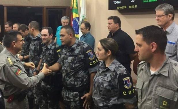Policiais receberam voto de louvor na tarde desta quinta-feira na Câmara de Vereadores (Foto: Mauro Teixeira/Grupo RSCOM)