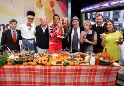 Sterling Clinton Mario Michael Symon Andcarla Hall Shared Thanksgiving Recipes On Morning Clinton Mario Michael Chef Michael Symon Wife Michael Symon Wife Pics
