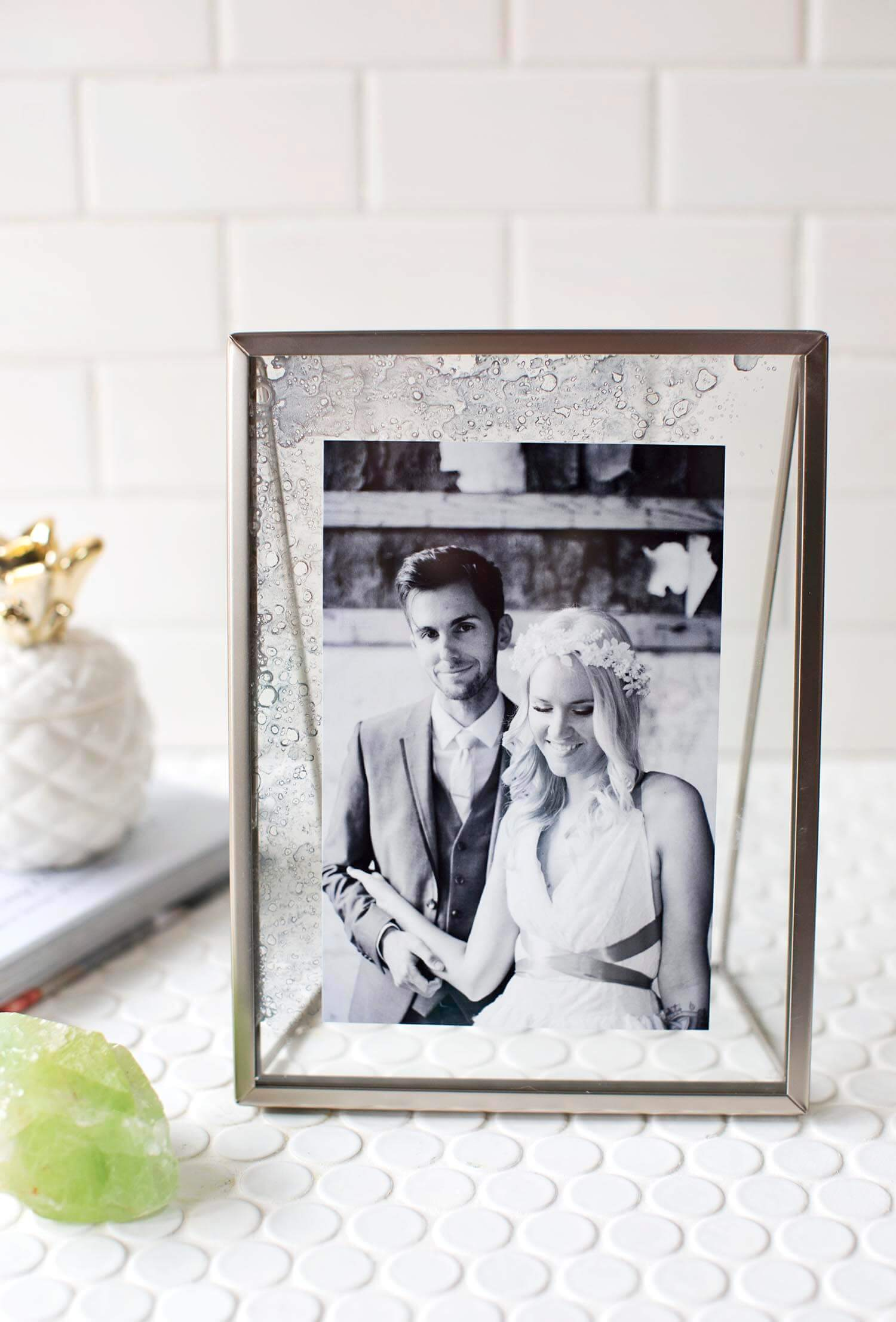 Diy Picture Frame With Glass Diy Antique Glass Photo Frame A Beautiful Mess