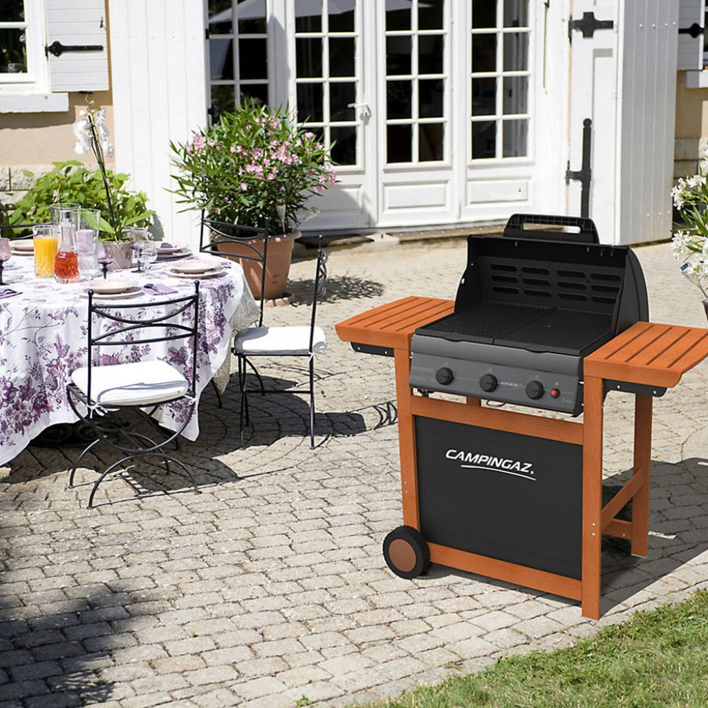 Campinggaz Grill Clearance Campingaz Adelaide 3 Woody L Bbq With Lid Black Beech