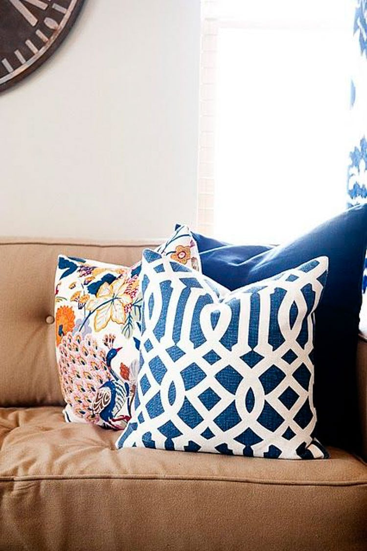 How To Style Throw Pillows 3 Designer Styling Tips A Blissful Nest