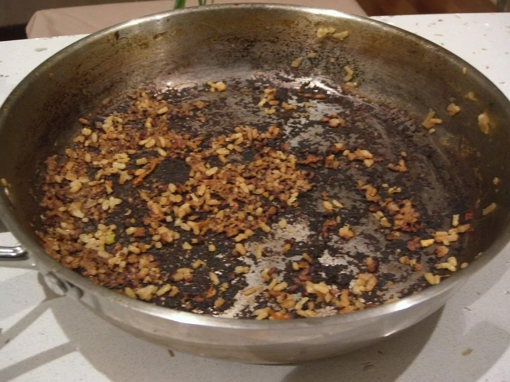 Aangebrande Pan How To Clean A Burnt Pan With Salt A Blog To Home