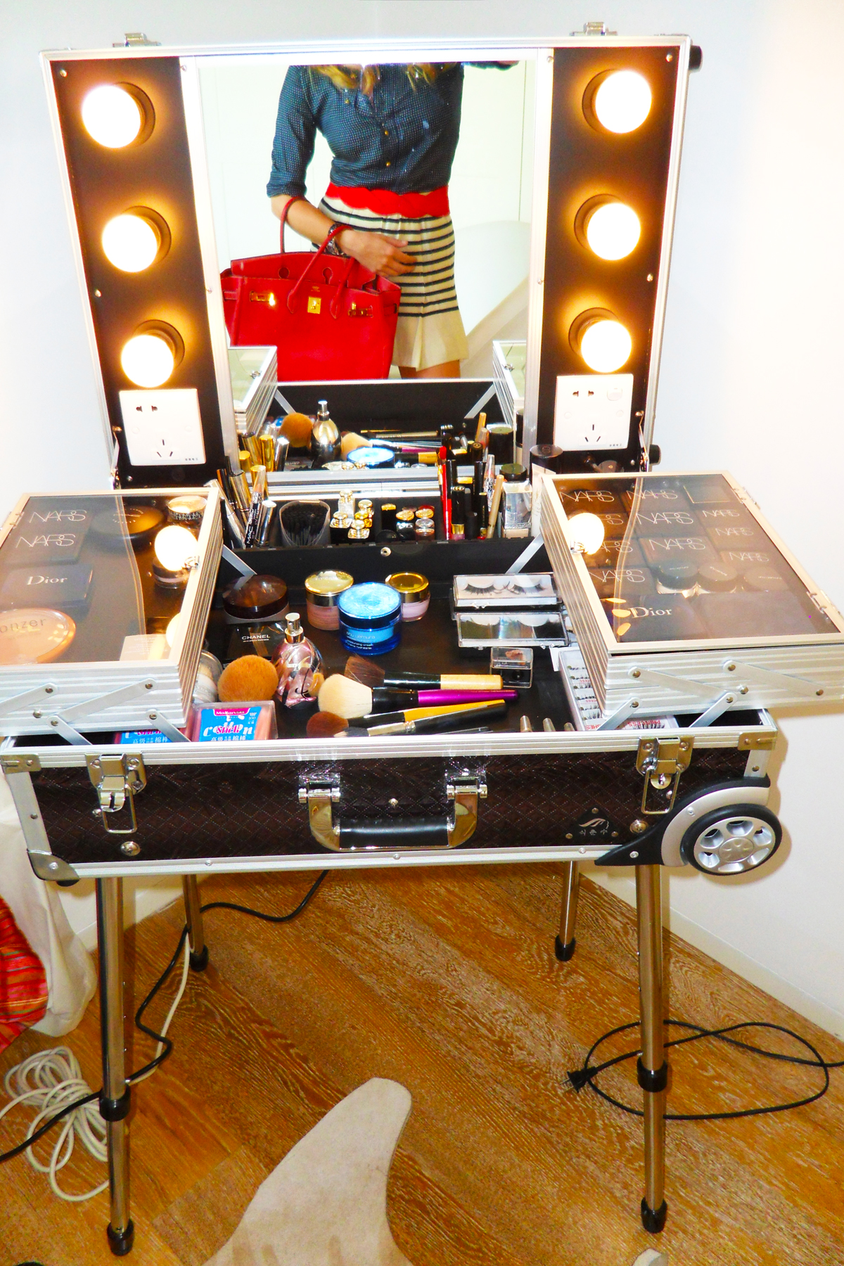 Girl Makeup Station Obsession Traveling Make Up Station A Blonde In Beijing