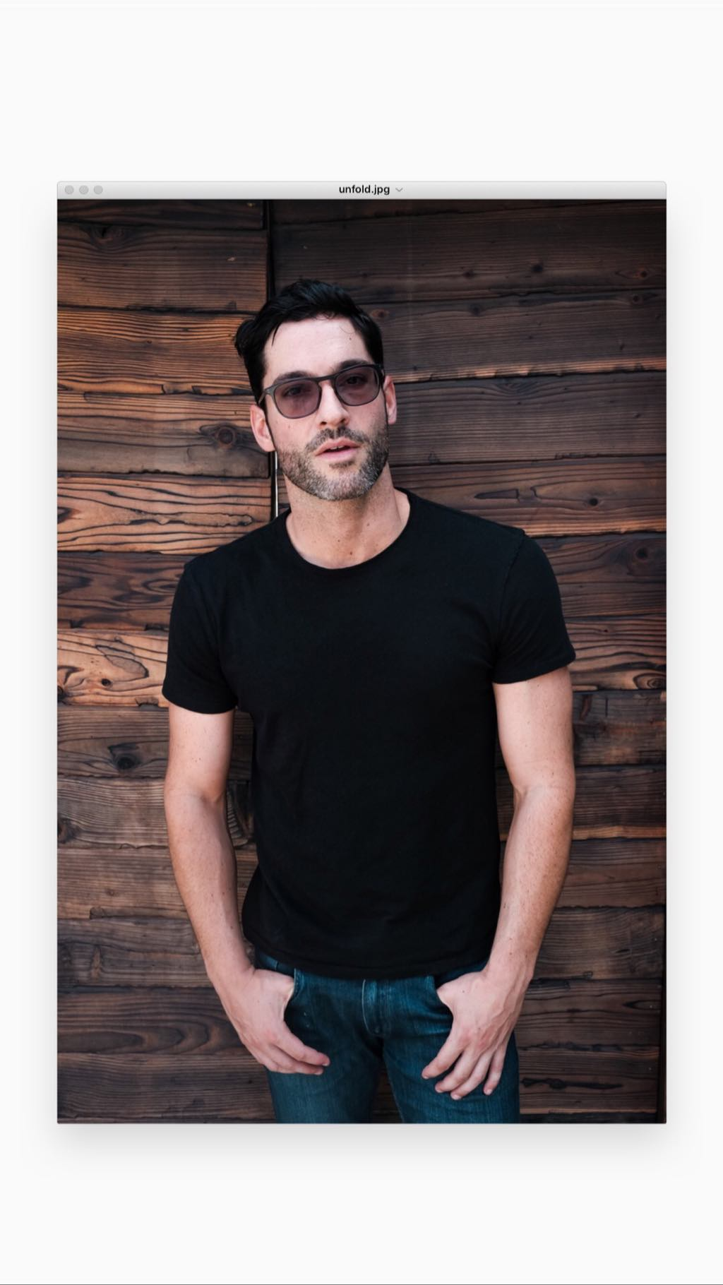 Tom Online New Pictures Of Tom Ellis From The Liproll Podcast | About
