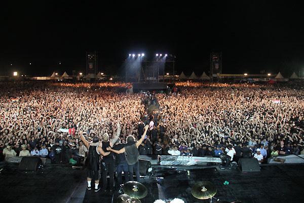 Sum 41 Wallpaper Hd Metallica Bangalore Concert Review Absurd History