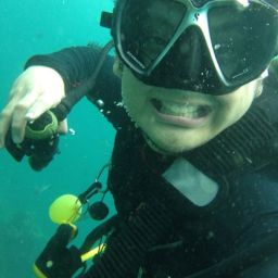 There is signal underwater! Hands on with the Patima iPhone 4s UW Housing
